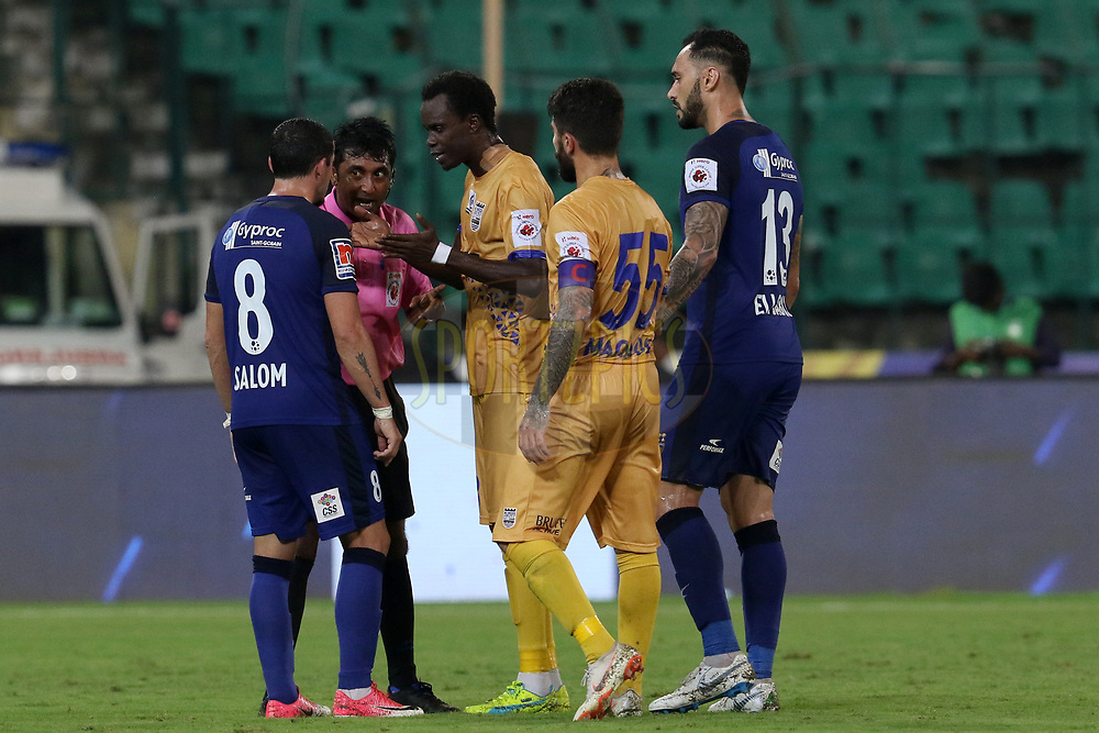 Match referee with Chennaiyin FC and Mumbai City FC players during match 27 of the Hero Indian Super League 2018 ( ISL ) between Chennaiyin FC  and Mumbai City FC  held at the Jawaharlal Nehru Stadium, Chennai, India on the 3rd November 2018<br /> <br /> Photo by: Faheem Hussain /SPORTZPICS for ISL