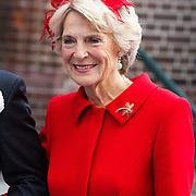 NLD/Apeldoorn/20130105 - Huwelijk prins Jaime en prinses Viktoria Cservenyak, aankomst prinses Irene