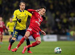 Pascal Gregor (Lyngby BK) og Simon Hedlund (Brøndby IF) under kampen i 3F Superligaen mellem Brøndby IF og Lyngby Boldklub den 1. marts 2020 på Brøndby Stadion (Foto: Claus Birch).