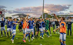 Jublende Lyngby-spillere efter kampen i 3F Superligaen mellem Lyngby Boldklub og Hobro IK den 20. juli 2020 på Lyngby Stadion (Foto: Claus Birch).