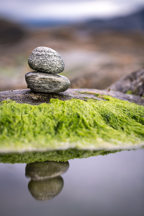 Stone on stone, with reflection | Stein på stein, med speilbilde.
