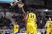 DESCRIZIONE : Ancona Lega A 2012-13 Sutor Montegranaro Angelico Biella<br /> GIOCATORE :  Julian Mavunga<br /> CATEGORIA : schiacciata<br /> SQUADRA : Angelico Biella<br /> EVENTO : Campionato Lega A 2012-2013 <br /> GARA : Sutor Montegranaro Angelico Biella<br /> DATA : 02/12/2012<br /> SPORT : Pallacanestro <br /> AUTORE : Agenzia Ciamillo-Castoria/C.De Massis<br /> Galleria : Lega Basket A 2012-2013  <br /> Fotonotizia : Ancona Lega A 2012-13 Sutor Montegranaro Angelico Biella<br /> Predefinita :