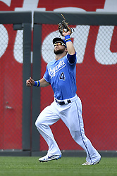 August 20, 2017 - Kansas City, MO, USA - Kansas City Royals left fielder Alex Gordon runs down a fly ball out on Cleveland Indians' Bradley Zimmer in the ninth inning and freezes the runner at third on a throw home on Sunday, Aug. 20, 2017 at Kauffman Stadium in Kansas City, Mo. (Credit Image: © John Sleezer/TNS via ZUMA Wire)