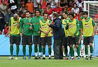 Fotball<br /> Euro 2008<br /> 03.06.2008<br /> Foto: Gepa/Digitalsport<br /> NORWAY ONLY<br /> <br /> Portugal<br /> <br /> Pepe, Bruno Alves, Ricardo Carvalho, Teamchef Luiz Felipe Scolari, und Nuno Gomes