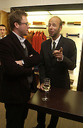 Jason McCue and Eric Fellner. Charles Finch and Dr. Franco Beretta host launch of Beretta stor at 36 St. James St. London. 10  January 2006. ONE TIME USE ONLY - DO NOT ARCHIVE  © Copyright Photograph by Dafydd Jones 66 Stockwell Park Rd. London SW9 0DA Tel 020 7733 0108 www.dafjones.com