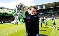 24/05/15 SCOTTISH PREMIERSHIP<br /> CELTIC v INVERNESS CT<br /> CELTIC PARK - GLASGOW<br /> Celtic manager Ronny Deila celebrates with the trophy<br /> ** ROTA IMAGE - FREE FOR USE **