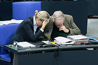 13 FEB 2020, BERLIN/GERMANY:<br /> Alice Weigel (L), MdB, AfD Fraktionsvorsitzende, und Alexander Gauland (R), MdB, AfD Fraktionsvorsitzender, im Gespraech, Sitzung des Deutsche Bundestages, Plenum, Reichstagsgebaeude<br /> IMAGE: 20200213-01-024<br /> KEYWORDS: Gespräch