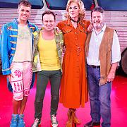 NLD/Amsterdam20151111 - Premiere Priscilla, Queen of the Desert, cast met Jason Donovan