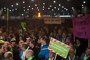 In de Jaarbeurs in Utrecht voeren docenten van het voortgezet onderwijs actie tegen de plannen van Minister van Bijsterveldt (OCW).<br /> <br /> Teachers are demonstrating in Utrecht against the ideas of the minister.