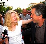 Teri Polo & Robert De Niro.The Score Premiere.Paramount Studios.Los Angeles, CA.July 09, 2001.Photo by Antoine Desert/ Celebrityvibe.com..