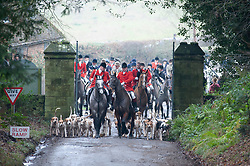 © Licensed to London News Pictures. 26/12/2018. Chiddingstone, UK.Riders and hounds arriving, Old Surrey Burstow and West Kent Boxing day Hunt meet at Chiddingstone Castle,Chiddingstone. Photo credit: Grant Falvey/LNP