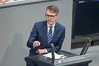 08 NOV 2018, BERLIN/GERMANY:<br /> Lars Castellucci, MdB, SPD, haelt eine Rede, Bundestagsdebatte zum sog. Global Compact fuer Migration, Plenum, Deutscher Bundestag<br /> IMAGE: 20181108-01-059<br /> KEYWORDS: Sitzung