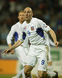 TEPLICE, CZECH REPUBLIC - Wednesday, April 30, 2003: Czech Republic's Jan Koller in action against Turkey during a friendly match at the Teplice Stadion Na Stinadlech. (Pic by David Rawcliffe/Propaganda)