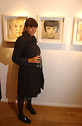 CLAUDIA WINKLEMAN.  Jonathan Yeo exhibition Private view. Eleven. London. 16 February 2006. ONE TIME USE ONLY - DO NOT ARCHIVE  © Copyright Photograph by Dafydd Jones 66 Stockwell Park Rd. London SW9 0DA Tel 020 7733 0108 www.dafjones.com