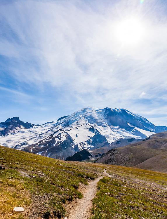 A hiking trail from 2nd Burroughs Mountain to 3rd Burroughs Mountain, Rainier National Park, Washington, USA