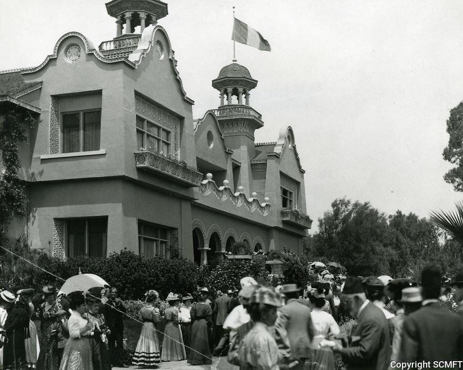 1907 Paul DeLongpre's residence