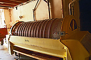 horisontal vaslin grape press domaine de cabasse rhone france