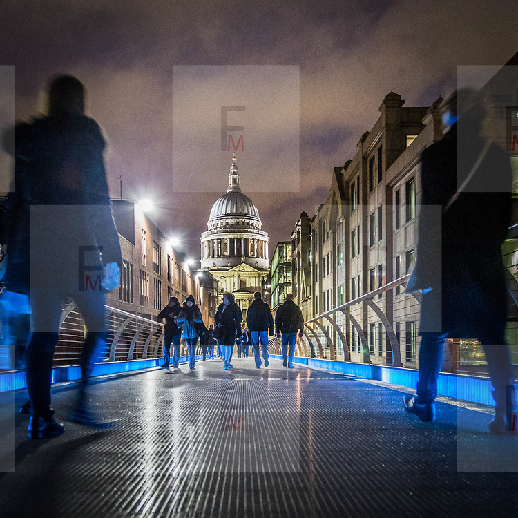 St. Paul's Cathedral vista dal Millennium Bridge<br /> <br /> St. Paul's Cathedral viewed by Millennium Bridge<br /> <br /> #6d, #photooftheday #picoftheday #bestoftheday #instadaily #instagood #follow #followme #nofilter #everydayuk #canon #buenavistaphoto #photojournalism #flaviogilardoni <br /> <br /> #london #uk #greaterlondon #londoncity #centrallondon #cityoflondon #londontaxi #londonuk #visitlondon #StPaulsCathedral #MillenniumBridge<br /> <br /> #photo #photography #photooftheday #photos #photographer #photograph #photoofday #streetphoto #photonews #amazingphoto #blackandwhitephoto #dailyphoto #funnyphoto #goodphoto #myphoto #photoftheday #photogalleries #photojournalist #photolibrary #photoreportage #pressphoto #stockphoto #todaysphoto #urbanphoto