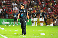 NONTHABURI, THAILAND - JULY 09: Head Coach Totchtawan Sripan SCG Muangthong United during the second half of the Thai League: SCG Muangthong United vs Buriram United at SCG Stadium, Nonthaburi, Thailand on July 09, 2017.<br /> .<br /> .<br /> .<br /> (Photo by: Naratip Golf Srisupab/SEALs Sports Images)<br /> .<br /> Any image use must include a mandatory credit line adjacent to the content which should read: Naratip Golf Srisupab/SEALs Sports Images
