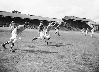 21/281-285..3081952AISFCSF.03.08.1952..All Ireland Senior Football Championship - Semi-Final..Meath.1-6.Roscommon.0-7..Meath.Replay.K. Smyth, M. O'Brien, P. O'Brien, K. McConnell, T. O'Brien, C. Kelly, C. Hand, B. Maguire, D. Taaffe, D. Brennan, B. Smith, P. Meegan (Captain), M. McDonnell, J. Reilly, P. McDermott. Note: P. McGearty and P. Connell played in drawn game. T. O'Brien and D. Brennan came on for replay. .P. Meegan (Captain). ..Meath.Replay.K. Smyth, M. O'Brien, P. O'Brien, K. McConnell, T. O'Brien, C. Kelly, C. Hand, B. Maguire, D. Taaffe, D. Brennan, B. Smith, P. Meegan (Captain), M. McDonnell, J. Reilly, P. McDermott. Note: P. McGearty and P. Connell played in drawn game. T. O'Brien and D. Brennan came on for replay. .P. Meegan (Captain). .Football........................................................................................................................................................................................................................................................................................................................................................................................................................................................................................................................................................................................................................................................................................................................................................................................................................................................................................................................................................................................................................................