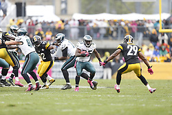 Philadelphia Eagles running back LeSean McCoy (25) carries the ball during the NFL game between the Philadelphia Eagles and the Pittsburgh Steelers on Sunday, October 7th 2012 in Pittsburgh. The Steelers won 16-13. (Photo by Brian Garfinkel)