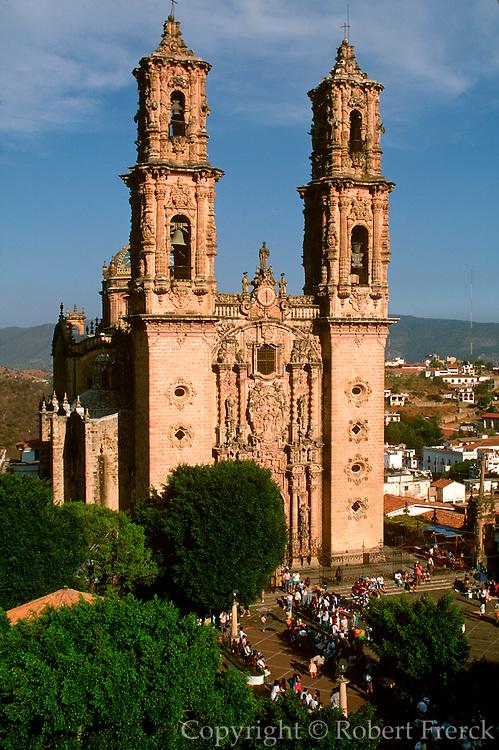 MEXICO, COLONIAL CITIES TAXCO, Santa Prisa Cathedral, 1748
