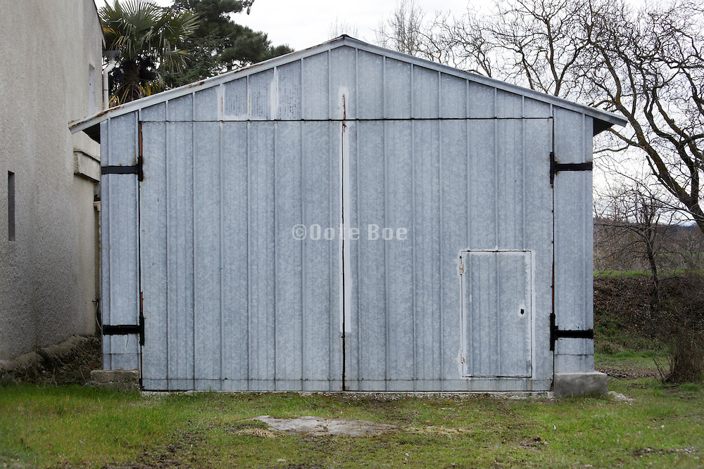 garage made from metal