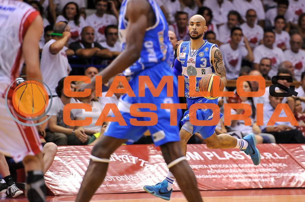 DESCRIZIONE : Campionato 2014/15 Serie A Beko Grissin Bon Reggio Emilia - Dinamo Banco di Sardegna Sassari Finale Playoff Gara7 Scudetto<br /> GIOCATORE : David Logan<br /> CATEGORIA : Palleggio Contropiede<br /> SQUADRA : Dinamo Banco di Sardegna Sassari<br /> EVENTO : LegaBasket Serie A Beko 2014/2015<br /> GARA : Grissin Bon Reggio Emilia - Dinamo Banco di Sardegna Sassari Finale Playoff Gara7 Scudetto<br /> DATA : 26/06/2015<br /> SPORT : Pallacanestro <br /> AUTORE : Agenzia Ciamillo-Castoria/L.Canu