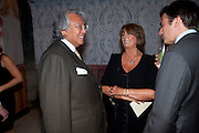 DAVID TANG; LADY ANNABEL GOLDSMITH, Early launch of Rupert's. Robin Birley  new premises in Shepherd Market. 6 Hertford St. London. 10 June 2010. .-DO NOT ARCHIVE-© Copyright Photograph by Dafydd Jones. 248 Clapham Rd. London SW9 0PZ. Tel 0207 820 0771. www.dafjones.com.