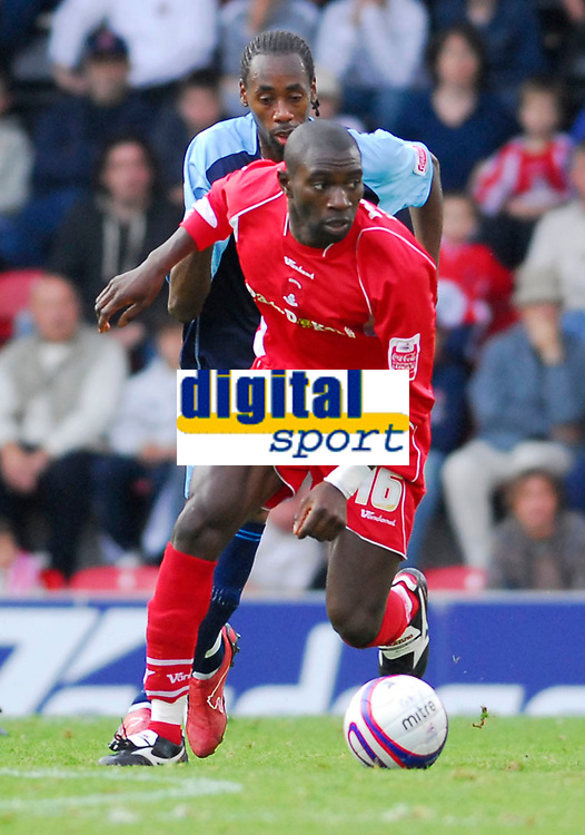 Photo: Leigh Quinnell.<br /> Leyton Orient v Swansea City. Coca Cola League 1. 06/10/2007. Orients Jabo Ibehre looks for the pass.