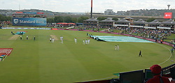 Pretoria 26-12-18. The 1st of three 5 day cricket Tests, South Africa vs Pakistan at SuperSport Park, Centurion. Day 1. Afternoon session. The two teams walk off as the covers come on for a short period as the rain disappeard soon afterwards.<br /> Picture: Karen Sandison/African News Agency(ANA)