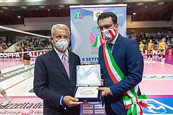 MAURO FABRIS COL SINDACO DI VICENZA FRANCESCO RUCCO<br /> SUPERCOPPA 2020-2021 PALLAVOLO FEMMINILE <br /> IMOCO VOLLEY CONEGLIANO - UNET E-WORK BUSTO ARSIZIO <br /> VICENZA 06-09-2020<br /> FOTO FILIPPO RUBIN