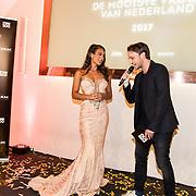 NLD/Amsterdam/20170524 - FHM500 2017, winnares Nochtli Peralta Alvarez en hoofdredacteur FHM Chris Riemens