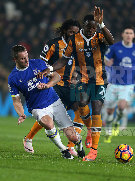 Phil Jagielka of Everton tackles Adams Diomande of Hull City during the English Premier League match at the KCOM Stadium, Kingston Upon Hull. Picture date: December 30th, 2016. Pic Simon Bellis/Sportimage