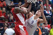 DESCRIZIONE : Eurolega Euroleague 2015/16 Olimpia EA7 Emporio Armani Milano ANADOLU EFES ISTANBUL<br /> GIOCATORE : Charles Jenkins Dario Saric<br /> CATEGORIA : Composizione curiosità<br /> SQUADRA : Olimpia EA7 Emporio Armani Milano<br /> EVENTO : Eurolega Euroleague 2015/2016<br /> GARA : Olimpia EA7 Emporio Armani Milano       vs ANADOLU EFES ISTANBUL<br /> DATA : 26/11/2015<br /> SPORT : Pallacanestro <br /> AUTORE : Agenzia Ciamillo-Castoria/I.Mancini