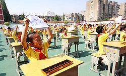 June 8, 2017 - Lianyungang, Lianyungang, China - Lianyungang, CHINA-June 8 2017: (EDITORIAL USE ONLY. CHINA OUT) ..More than 400 students attend the abacus mental arithmetic activity in Lianyungang, east China's Jiangsu Province, June 8th, 2017. (Credit Image: © SIPA Asia via ZUMA Wire)