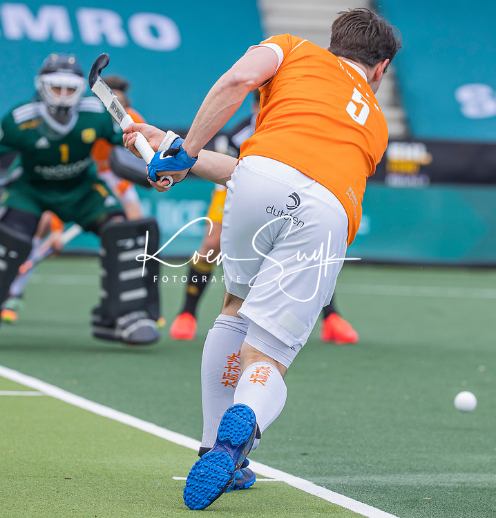 AMSTELVEEN -  Tim Swaen (Bldaal)   tijdens de Euro Hockey League finale mannen, Atletic Terrassa (Sp) - HC Bloemendaal (2-5). COPYRIGHT KOEN SUYK