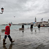 Venice Father Christmas in Venice...***Agreed Fee's Apply To All Image Use***.Marco Secchi /Xianpix.tel +44 (0)207 1939846.tel +39 02 400 47313. e-mail sales@xianpix.com.www.marcosecchi.com Doge Palace is the former Doge's residence and the seat of Venetian government, the Palace is the very symbol of Venice and a masterpiece of Gothic architecture.
