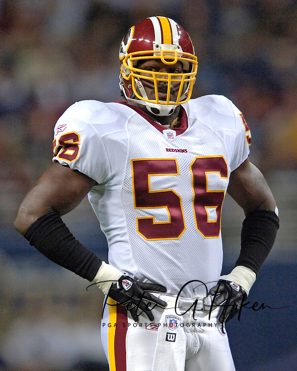Washington Redskins linebacker LaVar Arrington during the first half against St. Louis, at the Edward Jones Dome in St. Louis, Missouri, December 4, 2005.  The Redskins beat the Rams 24-9.