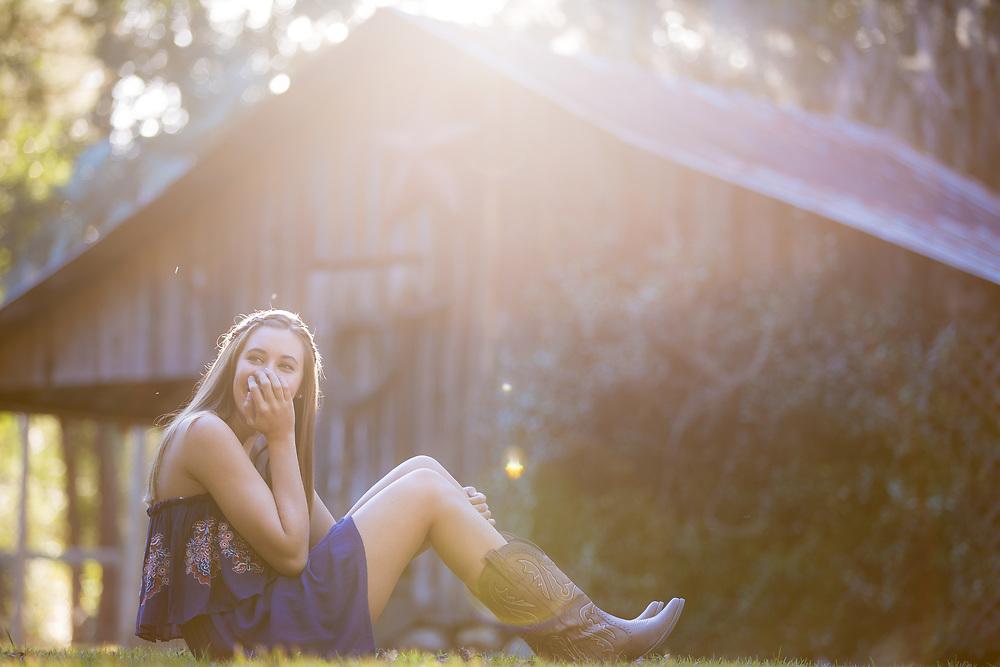Senior portrait shoot for Sydney Merritt.