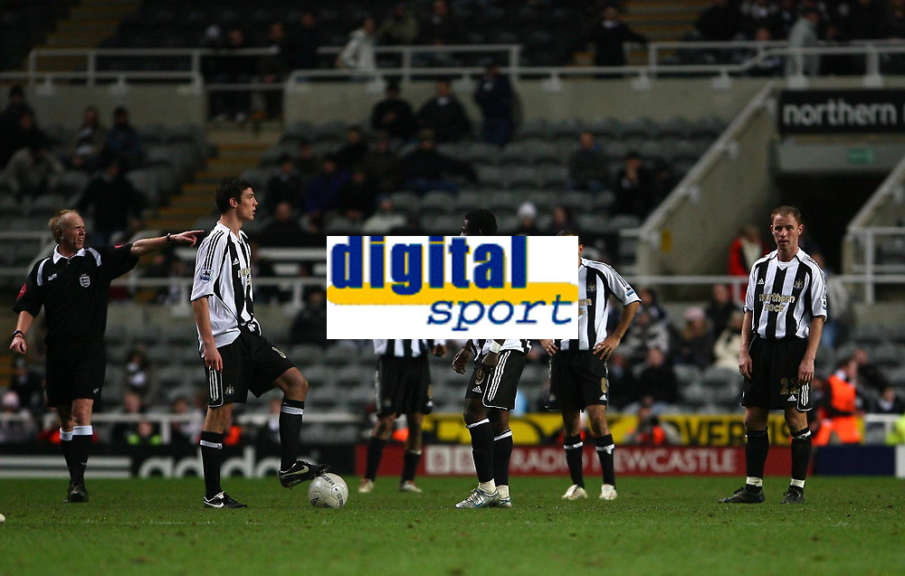 Photo: Andrew Unwin.<br /> Newcastle United v Birmingham City. The FA Cup. 17/01/2007.<br /> Having conceded a fifth goal the Newcastle players debate their tactics from the restart.