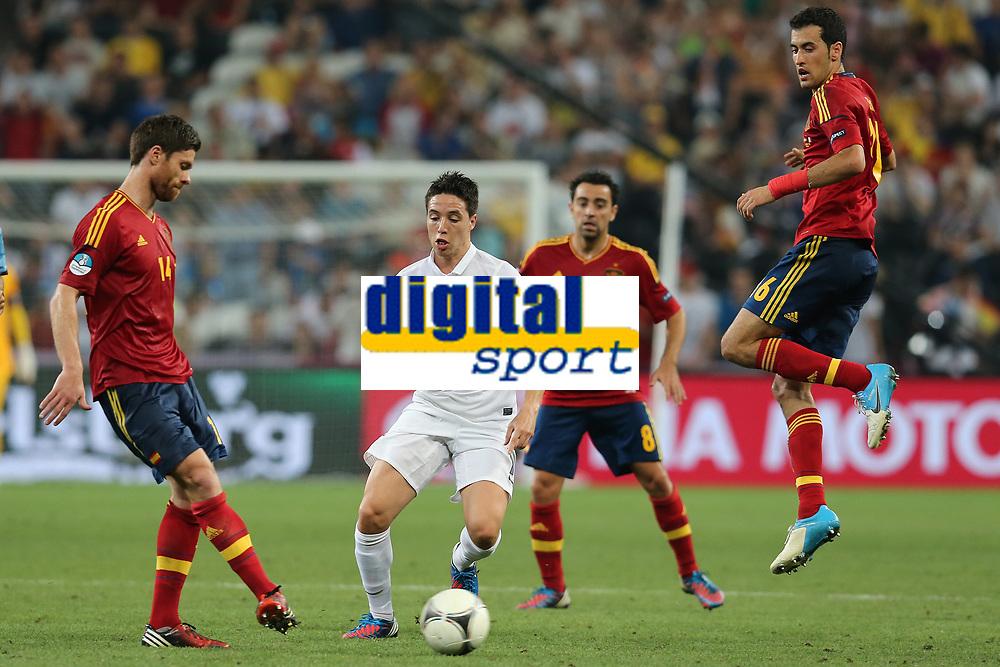 FOOTBALL - UEFA EURO 2012 - DONETSK - UKRAINE  - 1/4 FINAL - SPAIN v FRANCE - 23/06/2012 - PHOTO PHILIPPE LAURENSON /  DPPI - SAMIR NASRI (FRA) / XABI ALONSO (ESP)