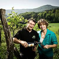 Soyhières, Suisse 04 Mai 2011<br /> Portrait de Silvia et Valentin Blattner.<br /> Photo: Ezequiel Scagnetti