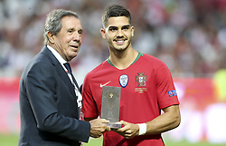September 10, 2018 - Na - Lisbon, 10/09/2018 - The Portuguese Football Team received its Italian counterpart tonight at the Luz stadium, in the first round of the 2018 League of Nations. Humberto Coelho and André Silva  (Credit Image: © Atlantico Press via ZUMA Wire)