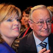 NLD/Hilversum/20121003- Boekpresentatie De Iconen van het NOS Achtuurjournaal, Pia Dijkstra en ?????