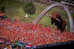 30.06.2019, Red Bull Ring, Spielberg, AUT, FIA, Formel 1, Grosser Preis von Österreich, Rennen, im Bild Fans // Fans during the race for the Austrian FIA Formula One Grand Prix at the Red Bull Ring in Spielberg, Austria on 2019/06/30. EXPA Pictures © 2019, PhotoCredit: EXPA/ Dominik Angerer