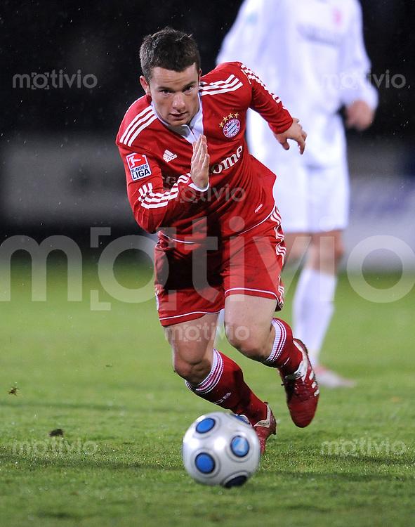 Fussball 1. Bundesliga :  Saison   2009/2010   Testspiel  13.10.2009 Jahn Regensburg - FC Bayern Muenchen  Alexander Baumjohann (FCB)