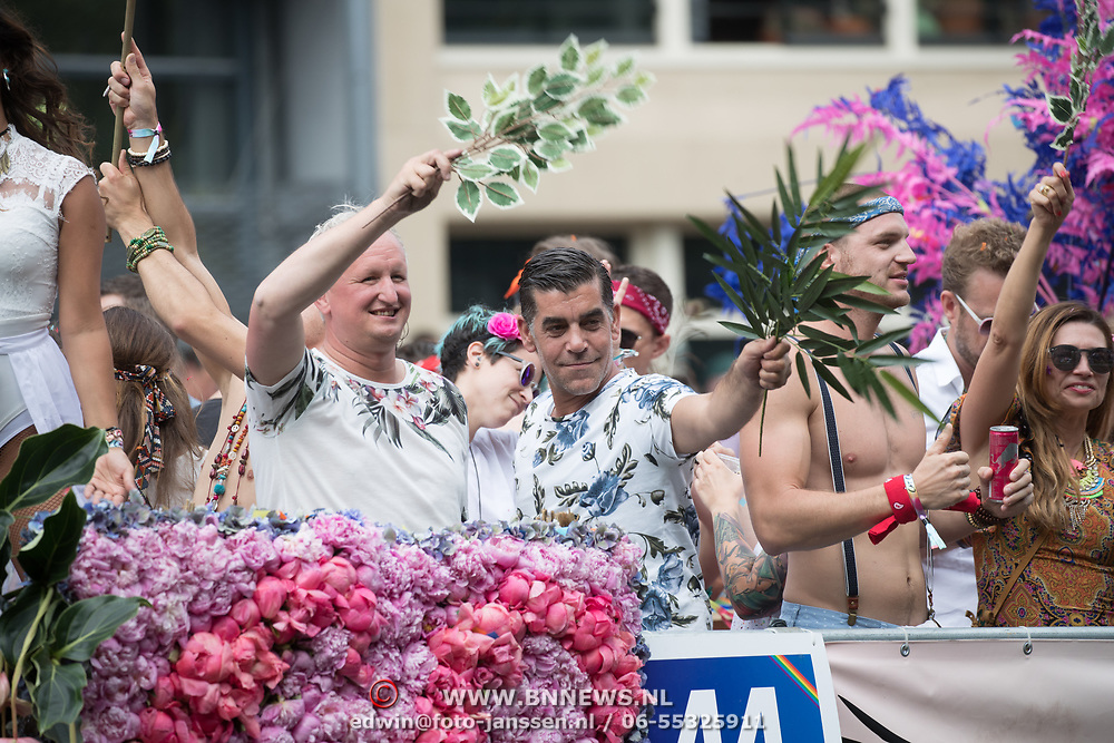 NLD/Amsterdam//20170805 - Gay Pride 2017, Marc Konijnenburg en partner