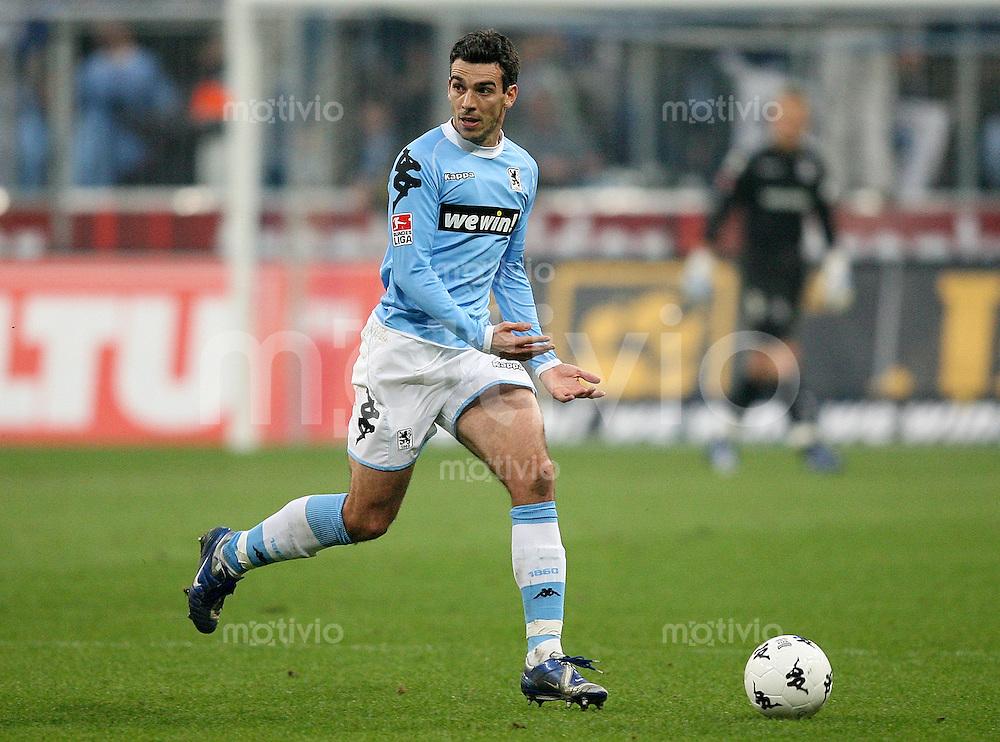 Fussball 2. Bundesliga Saison 2006/2007    26. Spieltag 1860 Muenchen 0-3 FC Augsburg Danny Schwarz (1860) am Ball