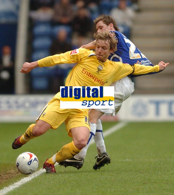 Photo: Leigh Quinnell.<br /> Leicester City v Preston North End. Coca Cola Championship. 15/04/2006. Prestons Paul McKenna grabs hold of Leicesters Andy Welsh.